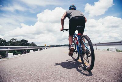 ¿Conoces la normativa, seguridad y multas para ciclistas?